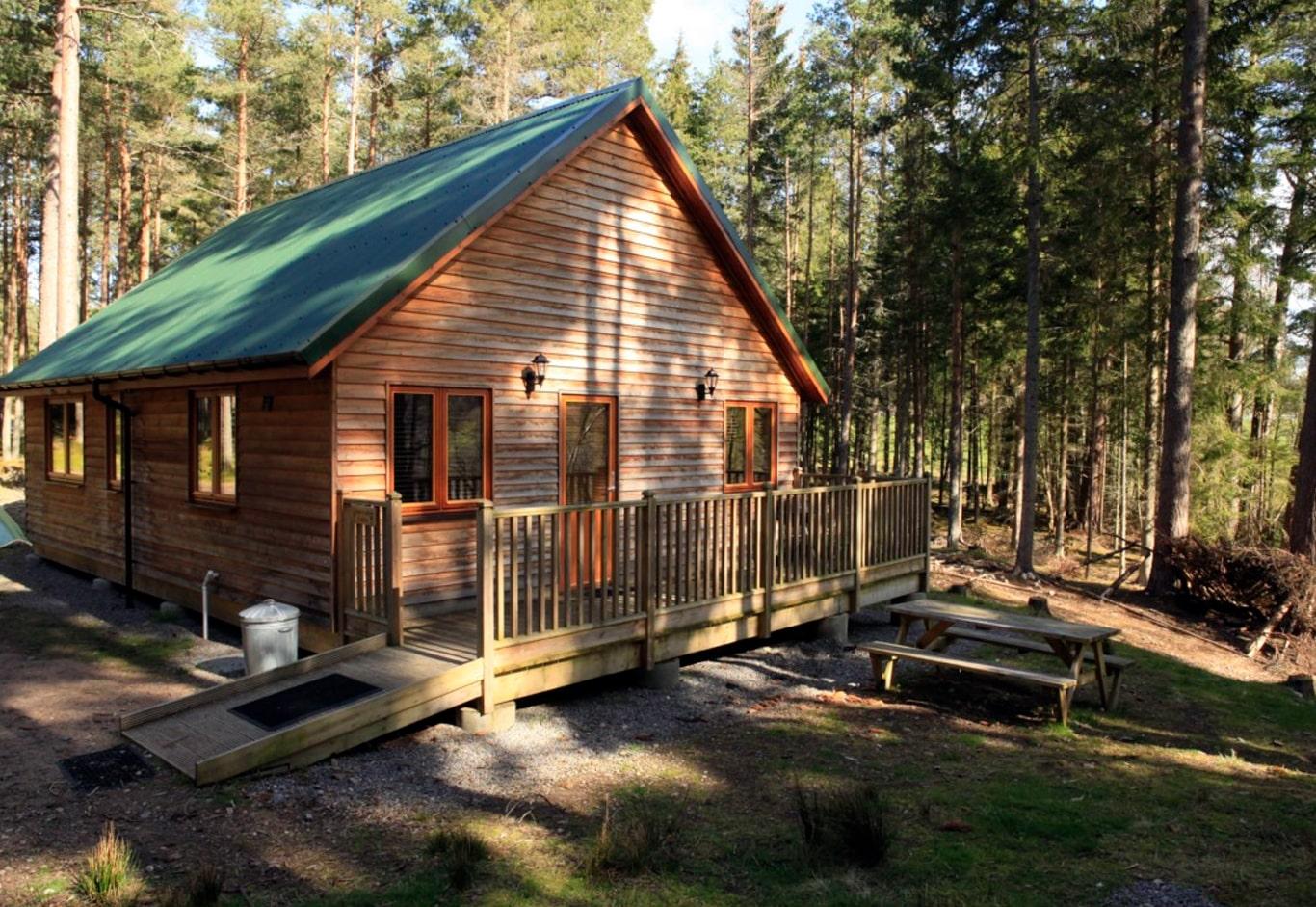 capercaillie-cabin-min
